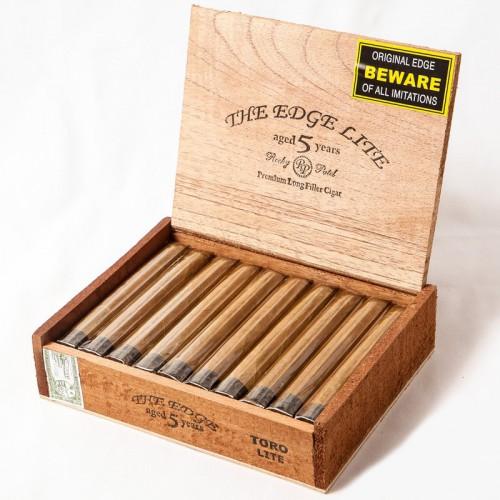 Сигары Rocky Patel Edge Lite Toro Connecticut