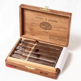 Сигары Padron Family Reserve 44 Years Maduro